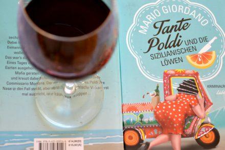 Tante Poldi und die sizilianischen Löwen. Ein Krimi mit vino amore mangiare und blut